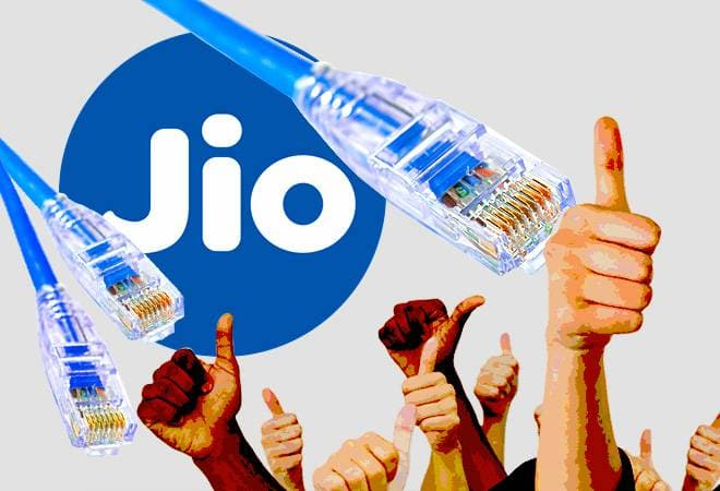 JioFiber offers internet speed of 100Mbps, 250Mbps, 500Mbps, 1Gbps; plans start at Rs 699